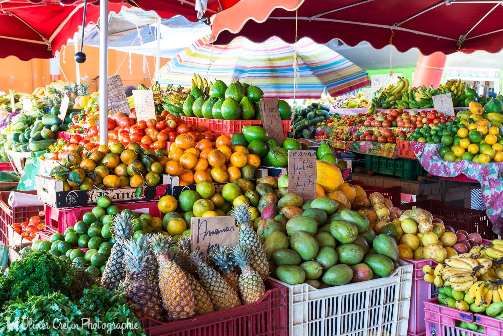 Guadeloupe - La star du marché de Basse Terre, la mangue julie