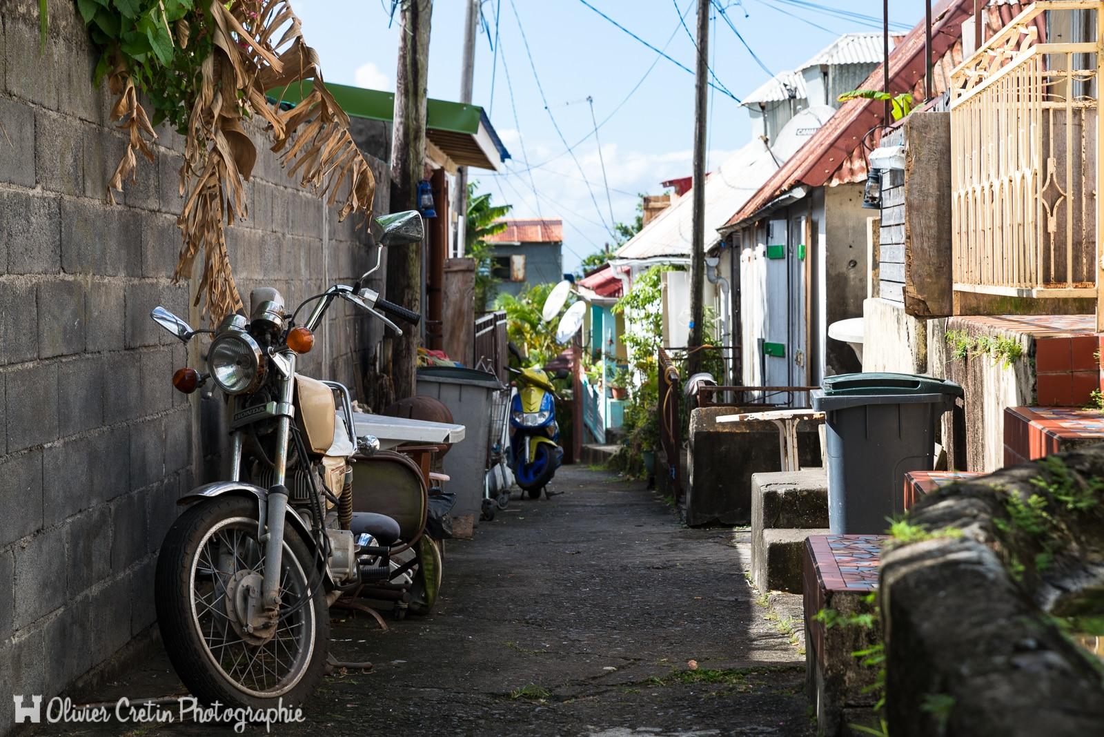 Guadeloupe - Une ruelle dans les hauteurs de Basse Terre