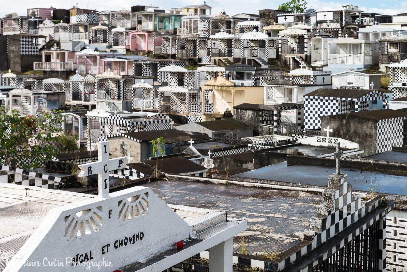Guadeloupe - Le cimetière de Morne à l\'eau - Une petite partie d\'échecs, ça vous tente ?