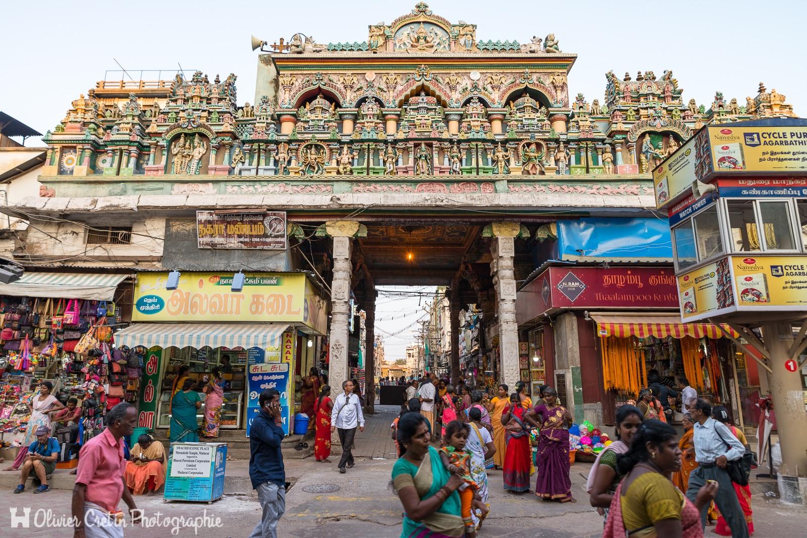 Inde - Madurai - Palette de couleurs vers le temple Sri Meenakshi Amman